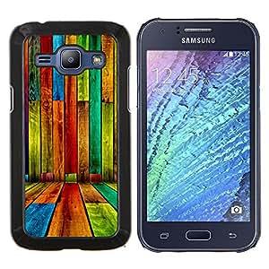 TECHCASE---Cubierta de la caja de protección para la piel dura ** Samsung Galaxy J1 J100 ** --COLOR MADERA grunge modelo