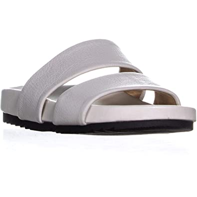 c35a588275ce Amazon.com  Naturalizer Women s Amabella Slide Sandal  Shoes