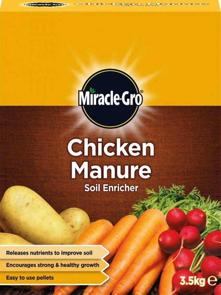 Miracle-Gro CHICKEN MANURE SOIL ENRICHER. 3.5kg PACK. IMPROVE SOIL. STRONG + HEALTHY GROWTH. Miracle Gro
