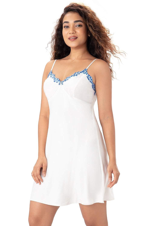 1a006e40e4 PrettySecrets Satin Lace Nightdress- XXL  Amazon.in  Clothing   Accessories
