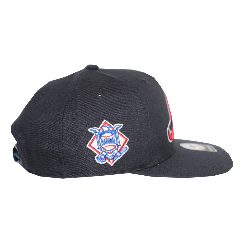 new arrival 8d7f3 13906 Amazon.com   Atlanta Braves MLB Navy Sure Shot 47 Brand Captain Flatbill  Snapback Hat   Sports   Outdoors
