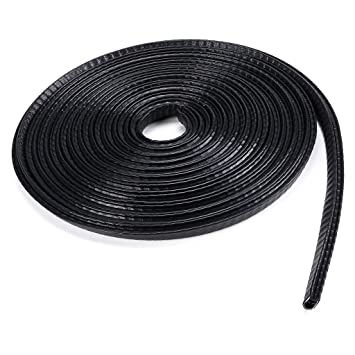 Metal strip with rubber seal with