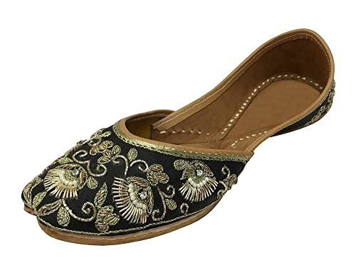 9184ef27bf63 Step n Style Punjabi Jutti Khussa Shoes Flat Traditional Shoes Bridal Shoes  Mojari  Buy Online at Low Prices in India - Amazon.in