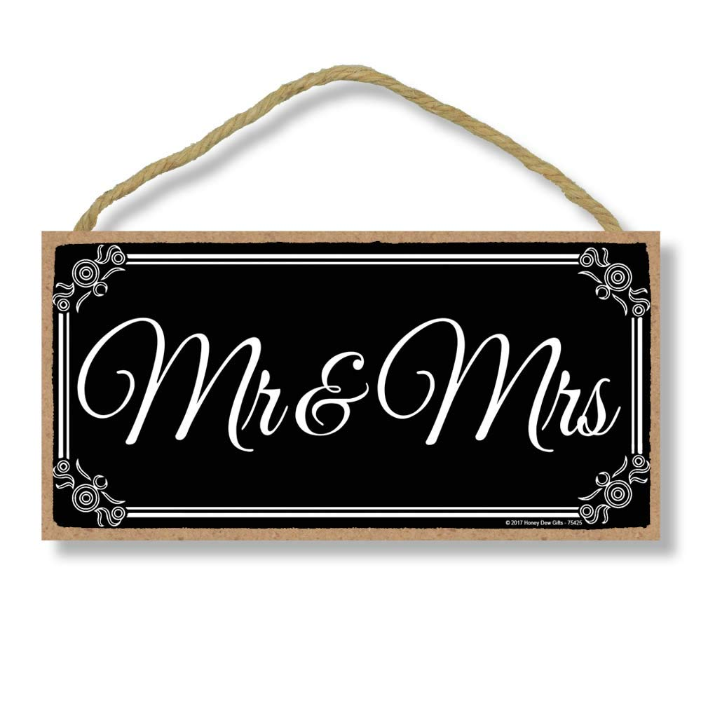 Mr. and Mrs. - Newlywed Just Married 5 x 10 inch Hanging, Wall Art, Decorative Wood Sign Home Decor