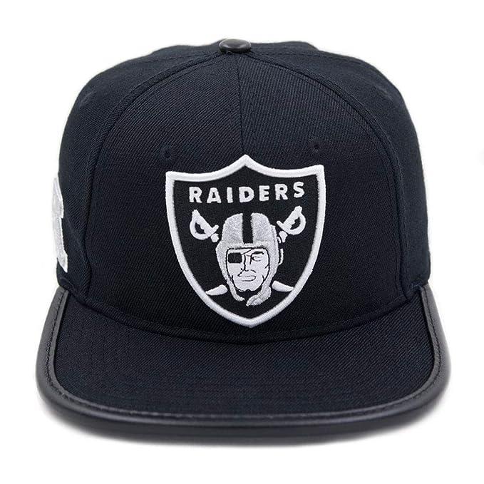 e0a38f89527 Pro Standard Men s NFL Oakland Raiders Logo Leather Buckle Hat Black W Pin   Amazon.ca  Clothing   Accessories