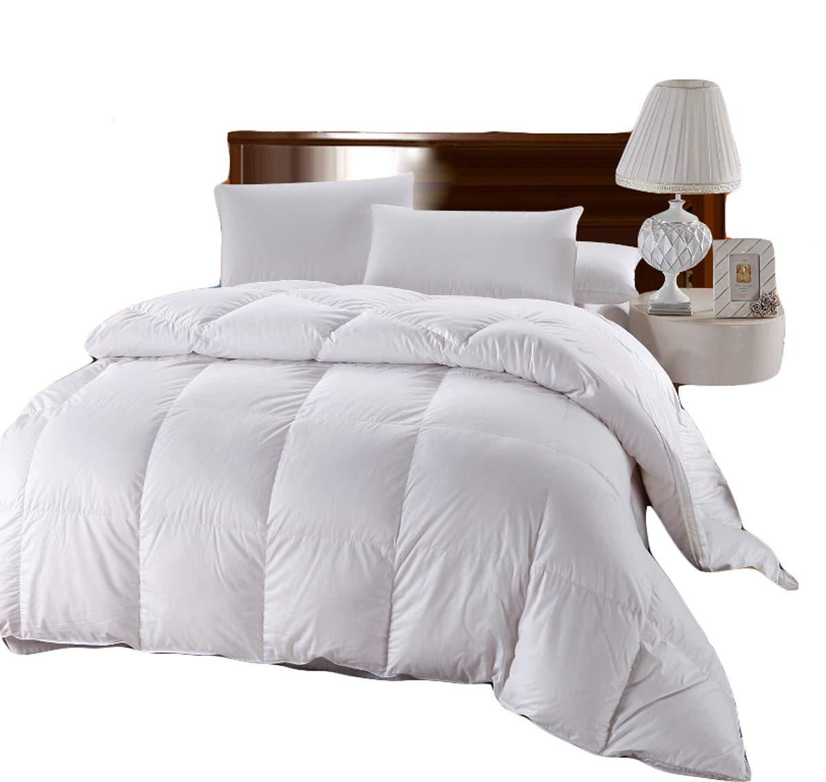 Royal Hotel Collection 500 Thread Count, 100-Percent Cotton Siberian Down Alternative Comforter, 750 Fill Power, 70 Oz Fill Weight, Full/Queen Size, 90-Inch by 90-Inch, Solid White