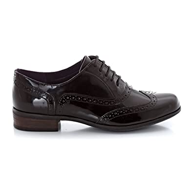 2c53b2c0f96 Clarks Womens Hamble Oak Patent Leather Lace-Up Brogues  Amazon.co.uk  Shoes    Bags