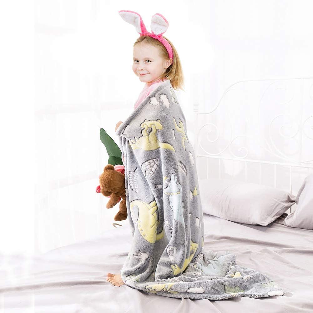 127 x 152 cm 50 x 60 grau MeMoreCool /Überwurf mit Dinosaurier- und Regenbogen-Motiv flauschige Pl/üsch-Decken f/ür Ihre Liebsten weich leuchtende Decke f/ür Jungen und M/ädchen Geburtstagsgeschenk