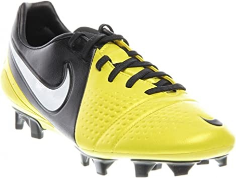 chaussures hommes football nike