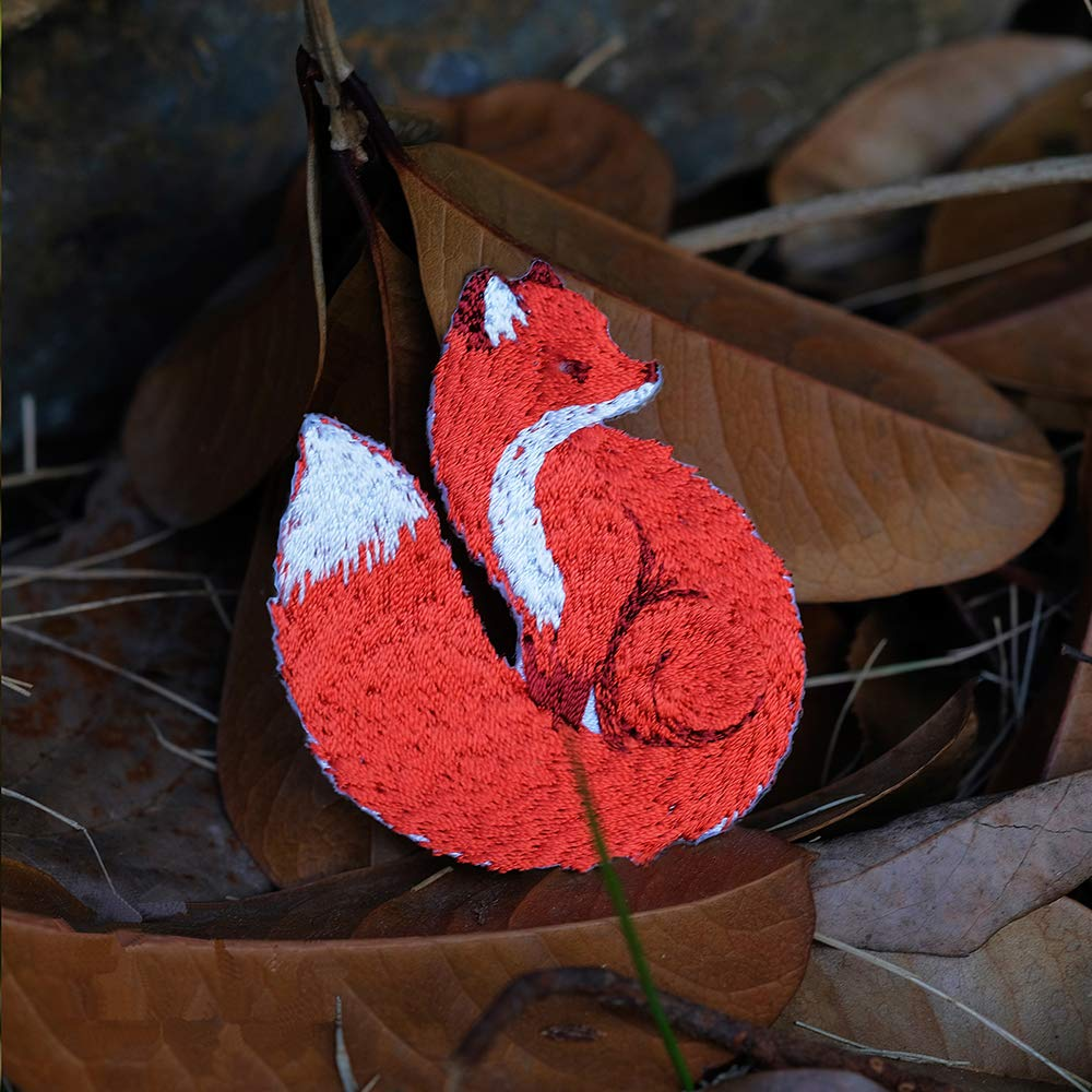 YOUOR 2 Pcs Cute Fox Embroidery Patches DIY Cloth Art Animals Iron on Sew on Embroidered Applique Style B