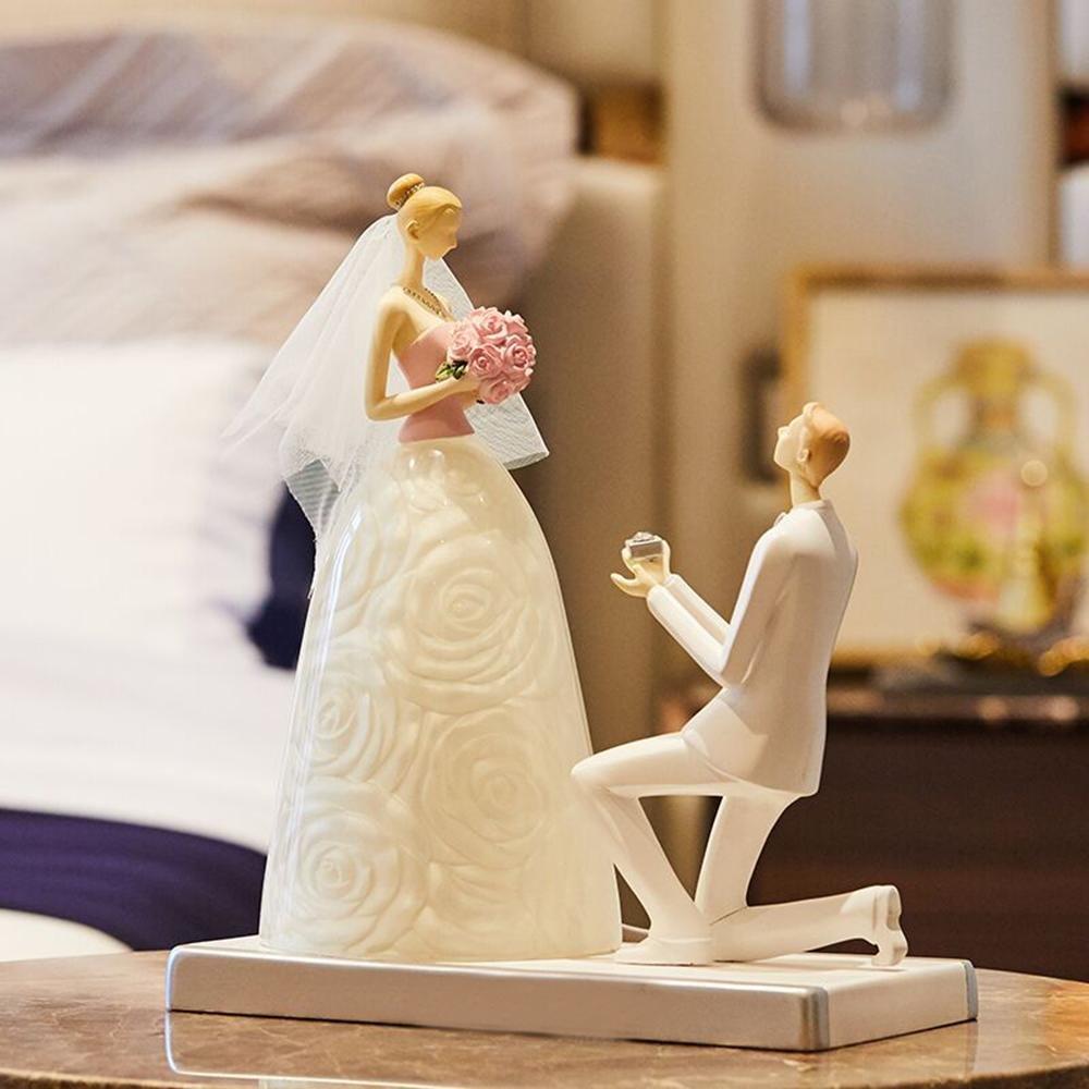 Geschenk romantisch Bett Wohnzimmer Braut & Bräutigam LED-Schreibtischlampe Jahrestag modisch LANJINGKreativ LED Nachtlicht mit Braut Rose Hochzeitskleid entworfen Lampenkörper für Dekoration