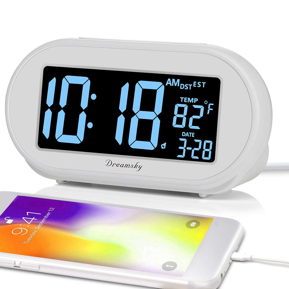 DreamSky Auto Time Set Alarm Clock with Snooze and Dimmer, Charging  Station/Phone Charger with Dual USB Port  Auto DST Setting, 4 Time Zone  Optional,