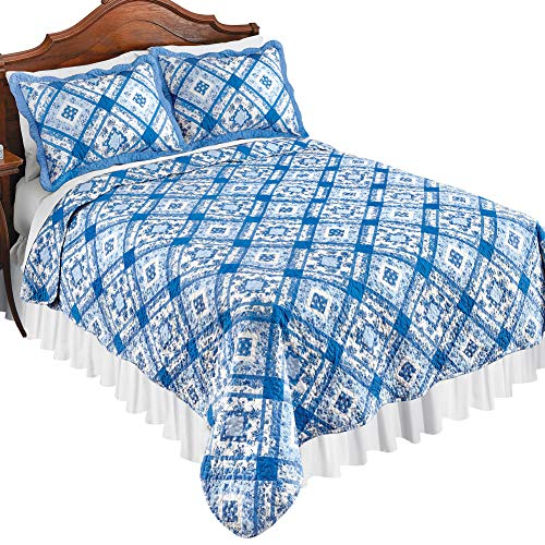 Collections Etc Blue and White Diamond Floral Microfiber Patchwork Quilt with Scalloped Edges - Spring Bedding Accent, Blue Multi, Full/Queen