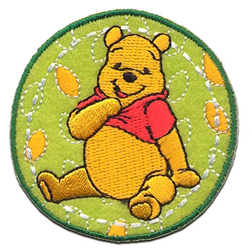Iron on patches - WINNIE THE POOH 'AUTUMN LEAFS' - green - 6,1x6,1cm - by catch-the-patch Application Embroided patch badges