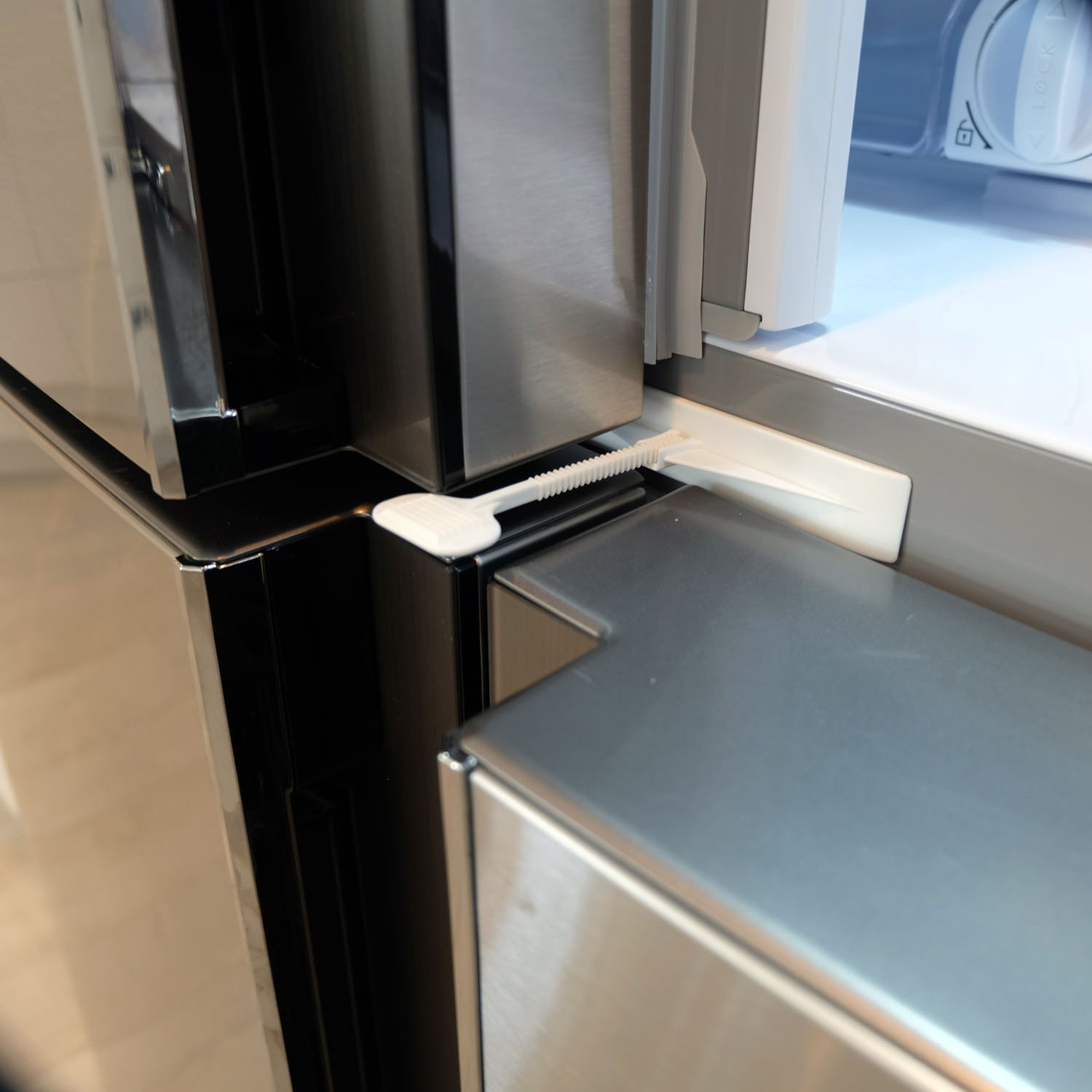 Baby Proofing Doesn/'t Have to be Ugly Easy One Handed Operation QDOS ADHESIVE FRIDGE//FREEZER LOCK Modern Design Refrigerator Lock White Patented ZeroPinch Design