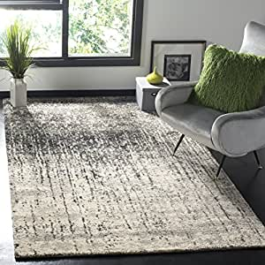 Safavieh Retro Collection RET2770-9079 Modern Abstract Black and Light Grey Area Rug (4' x 6')