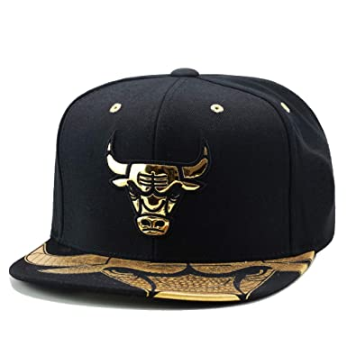 a9aefaa5e94 Image Unavailable. Image not available for. Color  Mitchell   Ness Chicago  Bulls Snapback Hat Cap Black Gold Foil