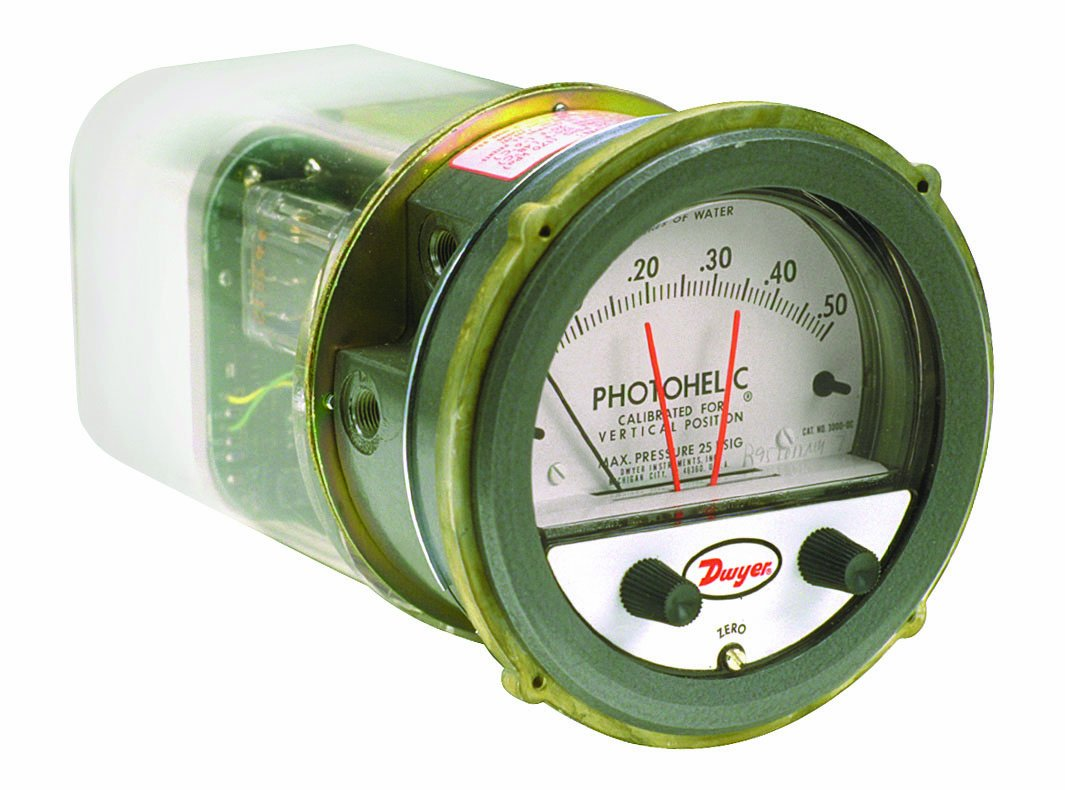 Dwyer Photohelic Series A3000 Pressure Switch/Gauge, Range 0-0.25''WC