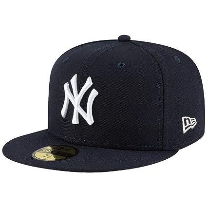 c383e5c6307 Amazon.com  New Era Mens New York Yankees MLB Authentic Collection 59FIFTY  Cap  Clothing