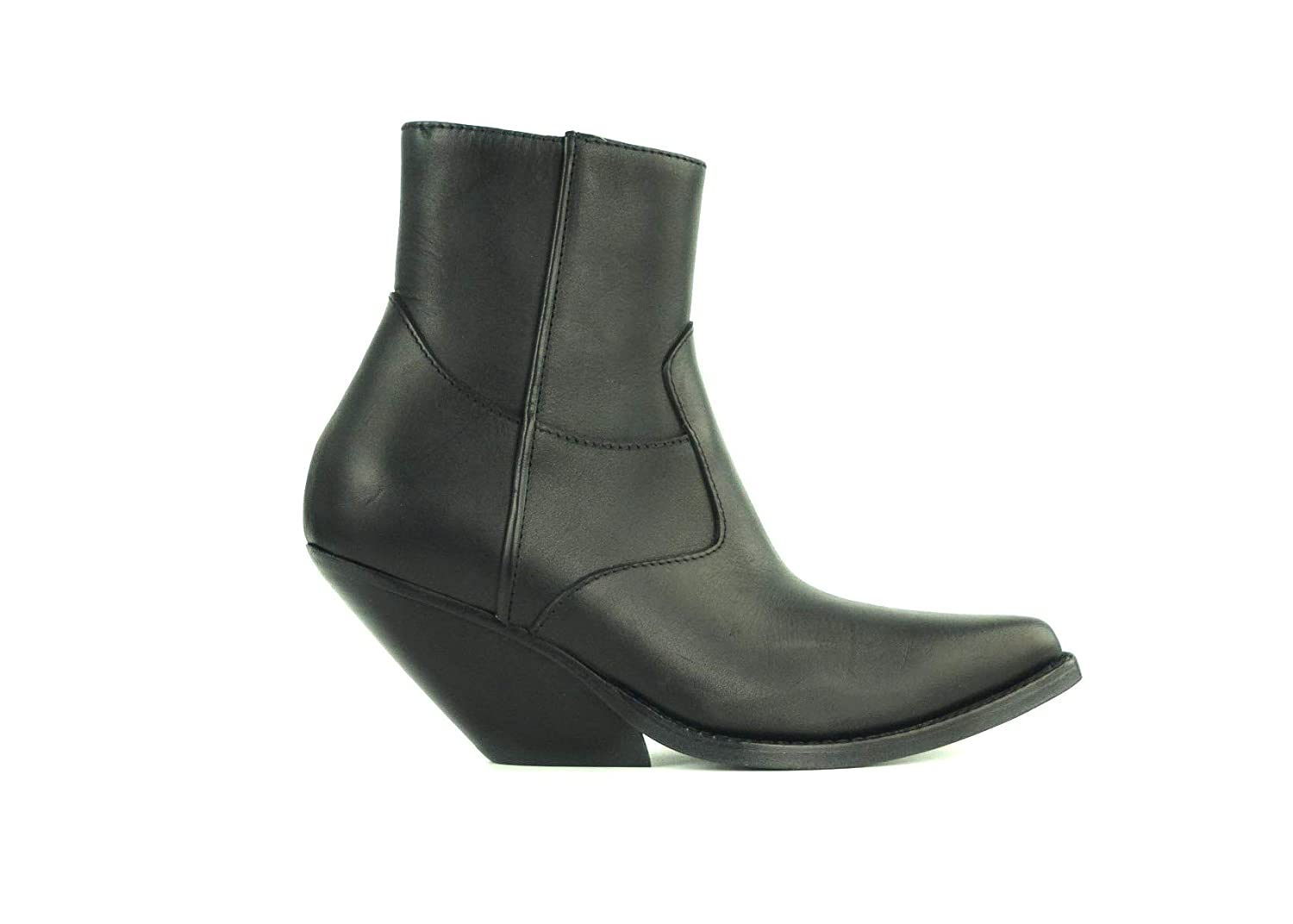8bb0ba5cffdaf Amazon.com | Vetements Women's Black Leather Western Cowgirl Ankle ...
