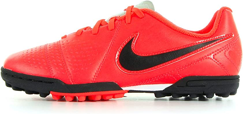 chaussures nike enfant taille 35