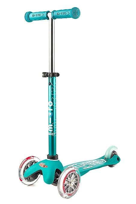 c8a65345c6c Amazon.com: Micro Mini Deluxe Kick Scooter (Aqua): Toys & Games