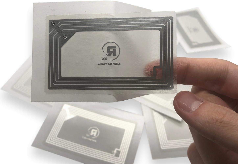 10 X NFC Tags | NXP Chip NTAG213 | Memoria de 144 Bytes | Etiquetas y Autoadhesivas Transparentes | Antena Ancha | Alta Potencia de escaneo | diseño Ultra Delgado.