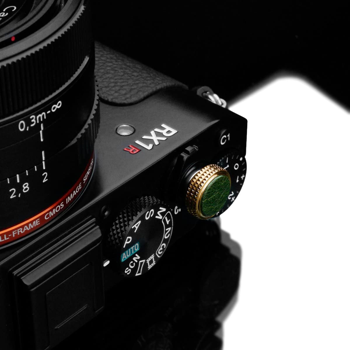 Gariz XA-SBL Series Leather Screw Type Soft Button Release Shutter for Sony Cameras Green