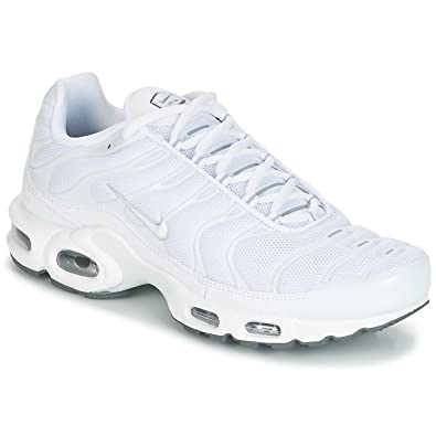 sports shoes 7fa37 ee271 Image Unavailable. Image not available for. Color  NIKE Air Max Plus  Lifestyle Fashion Sneakers ...
