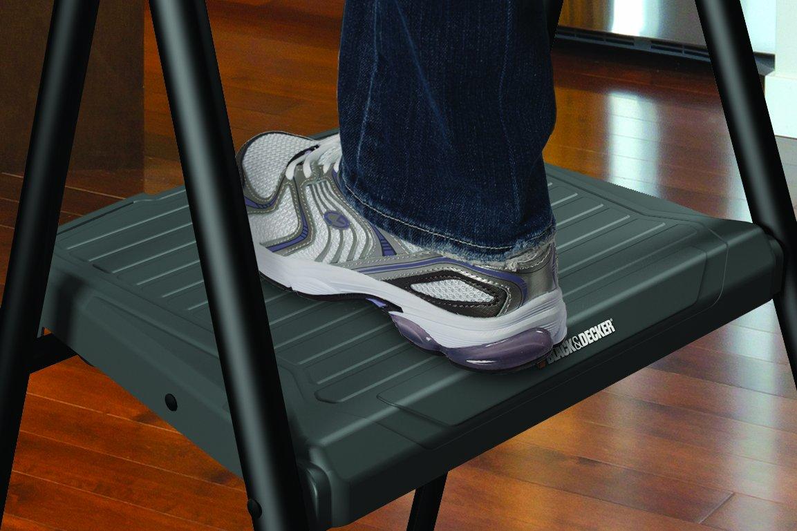 Black & Decker BXL4260-03 Three Step Steel Step Stool, 225-Pound Capacity