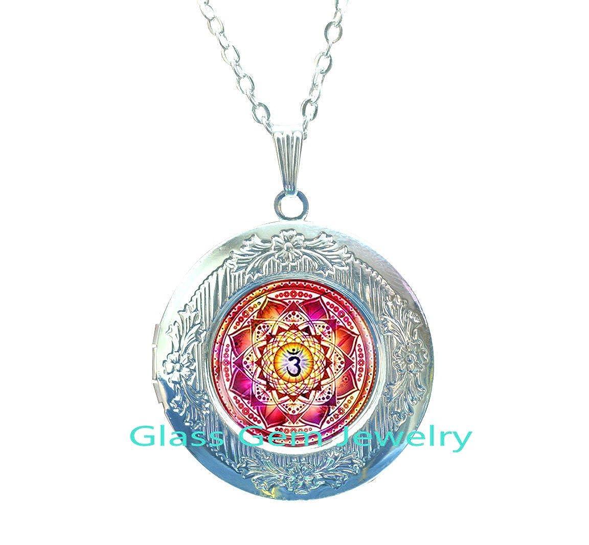 Yoga Meditation Locket Pendant Sacred geometry Locket Necklace,Q002xianghe xianglian Spiritual Yoga Jewelry gift Locket Third eye chakra Locket Necklace