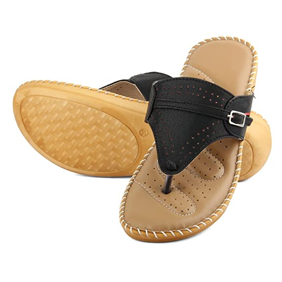 Tashi Women's Slip-On Women's Fashion Sandals at amazon