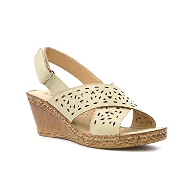 6d722dade30 Cushion Walk Womens Beige Cut Out Wedge Sandal  Amazon.co.uk  Shoes ...