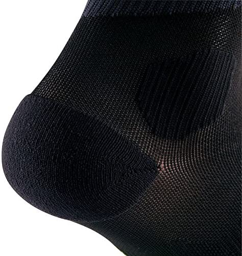 f0ad686e46 Buy KALENJI KANERGY RUNNING COMPRESSION SOCKS - BLACK/WHITE (43/46Â ...