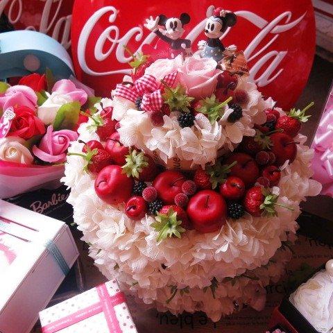 結婚祝い ディズニー フラワーギフト ケーキ プリザーブドフラワー フルーツいっぱい フラワーケーキ 3段 ケース付き ◆お客様のご用途に合わせラッピング... B06XK4WZZ8