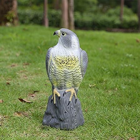 SM SunniMix Estatua de Halcón Espantapájaros de Simulación Ojos Relectante Protección de Jardín y Cultivos: Amazon.es: Hogar
