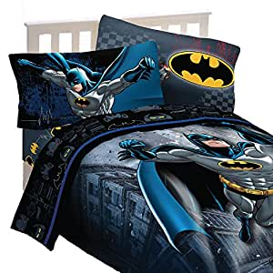 Batman Bedding Elements Of Batman Bedding Theme. Batman Kids Bedding: Picking Batman bedding set for a boy can be a lot of ingmecanica.ml are hundreds of choices available on the pre-eminent online retailers and you are sure to find a theme that meets his and your desires.