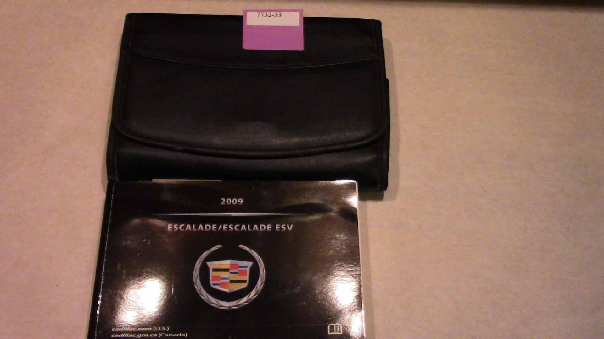 2009 Cadillac Escalade and ESV Owners Manual: Cadillac: Amazon.com: Books