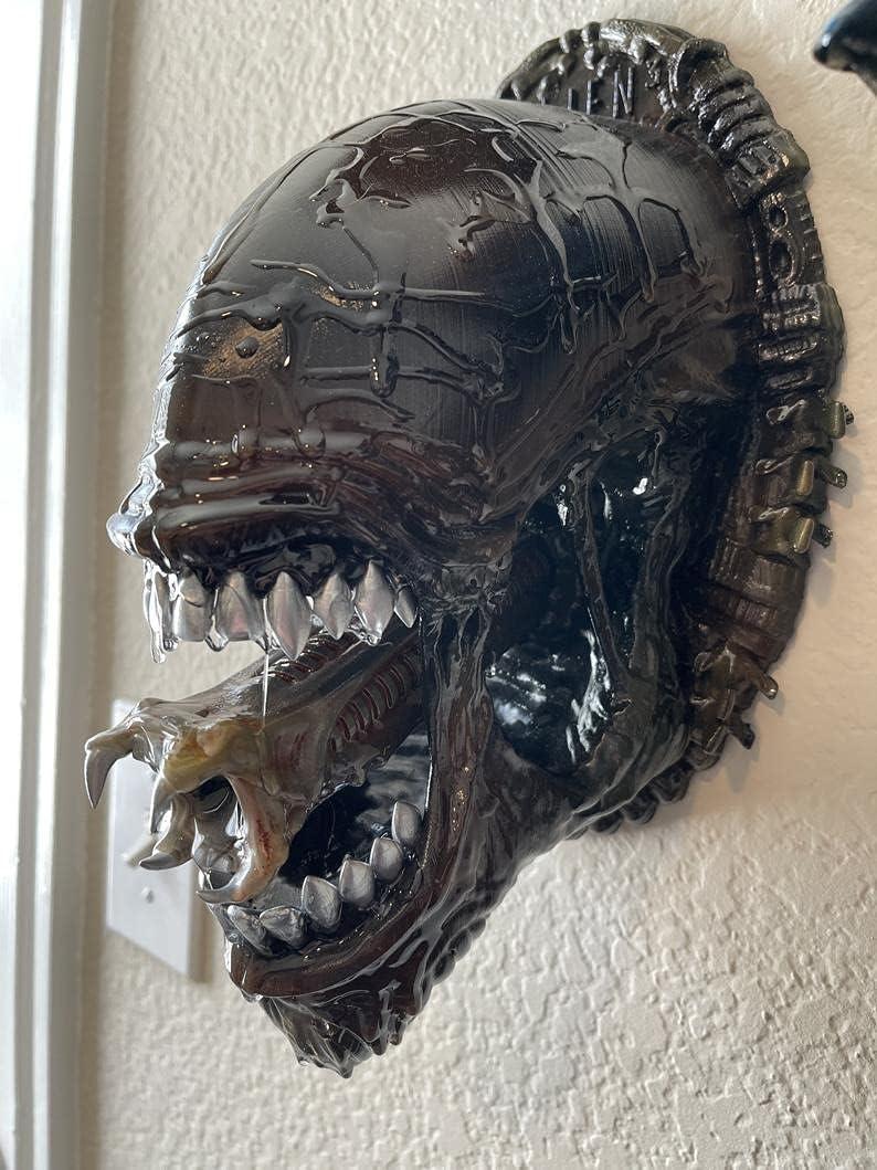 Magicsquirrel Alien Head Wall Sculptures - Mucus Xenomorph Head Wall Mount Decoration Statue, Resin Wall Hanging Decor Scary Halloween Decorations (D)