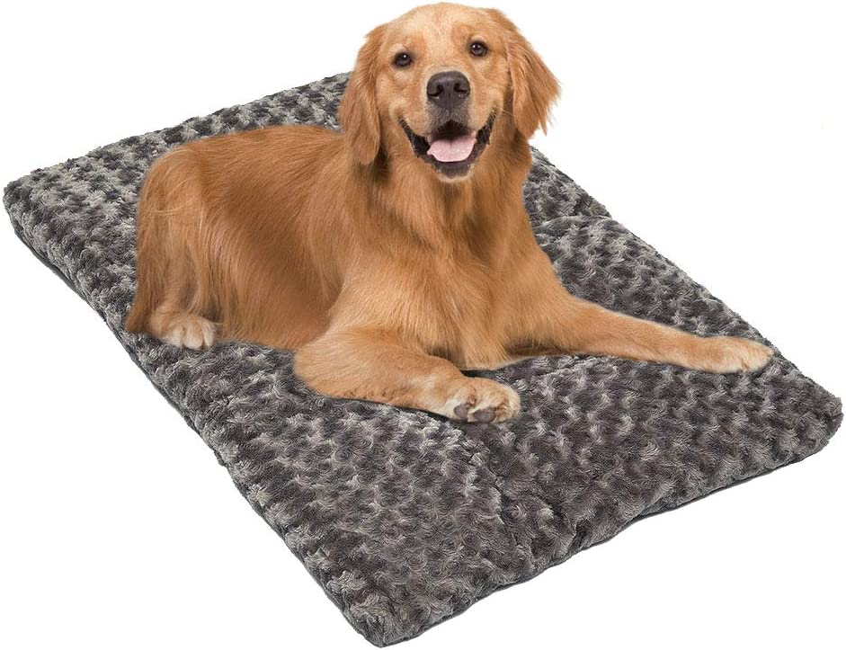 Auboa Dog Crate Bed with Cotton Cushion, Plush Ombré Swirl Kennel Mat for Small, Medium, Extra Large Pet