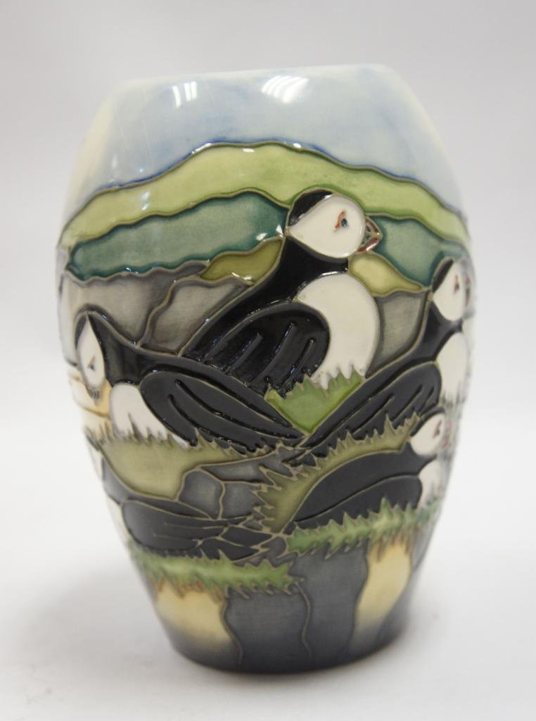 Stunning Moorcroft Puffins 1025 Vase Made In England Amazon