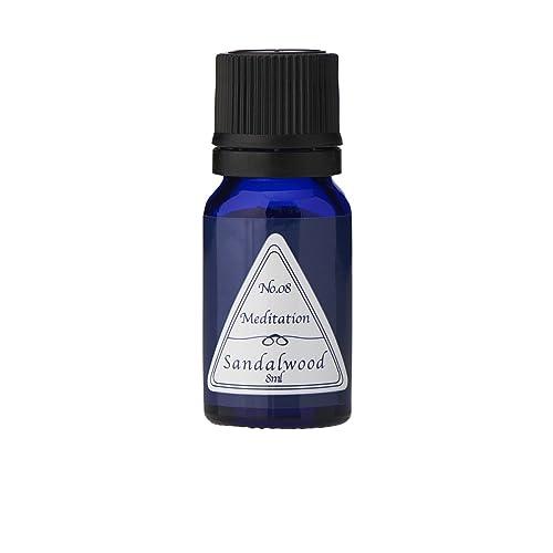 ジュニパーには、心を温め、ネガティブな感情や不安を浄化させてくれる効果があります。香りで心を穏やかにし、リラックスした気持ちになれるでしょう。