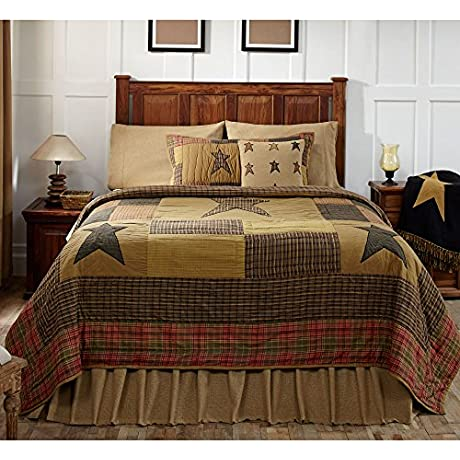 Stratton Queen Quilt Bundle 4 Piece Set Set Contents 1 Queen Quilt 90 X 90 2 Queen Shams 21 X 27 1 Queen Bed Skirt 80 X 60