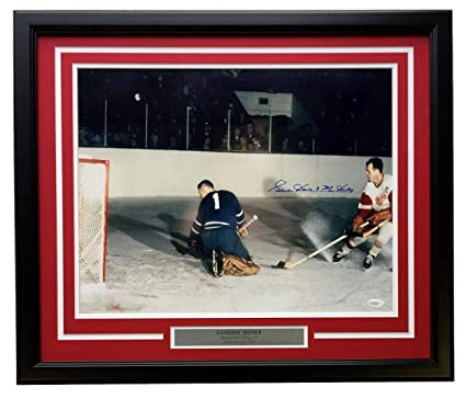 88fd8d906 Gordie Howe Signed Framed 16x20 Detroit Red Wings Action Photo Mr Hockey  Inscribed JSA ITP