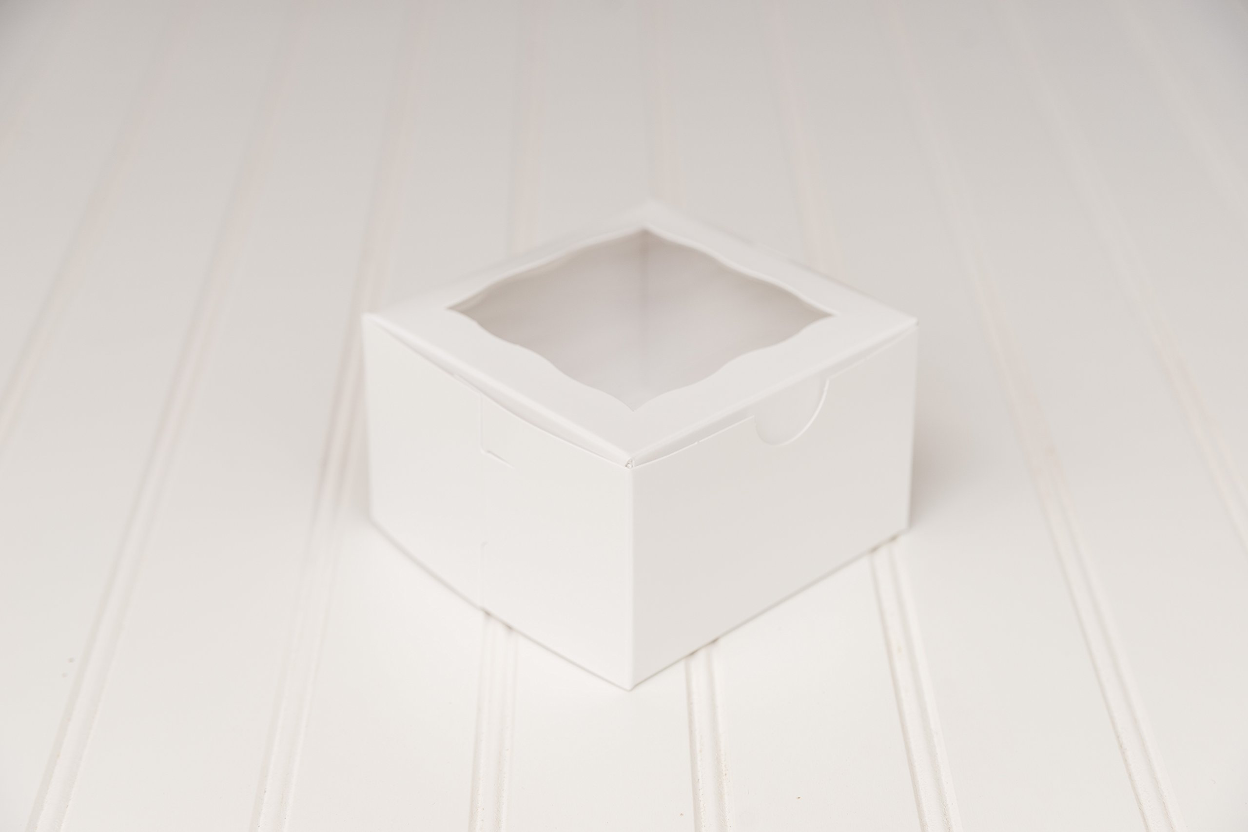 The Buttercup House 12 White Single Donut Box 4 x 4 x 2 1/2