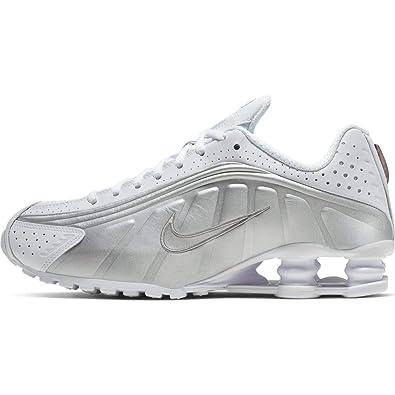 brand new 5d884 3452d Amazon.com   Nike Shox R4 Womens Ar3565-101   Fashion Sneakers