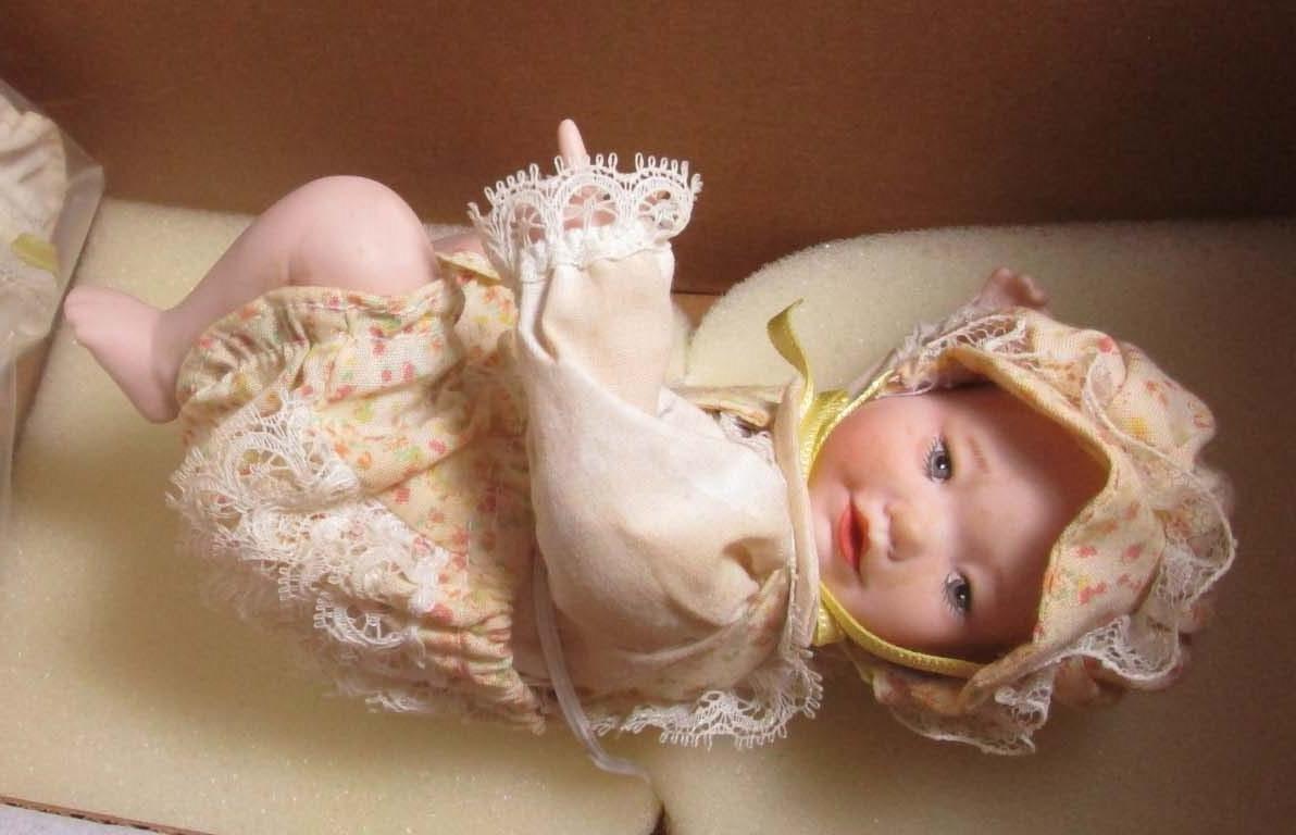 """リサAshton Drake Porcelain 6 """" Doll – # 92037   B07BNQK11Z"""