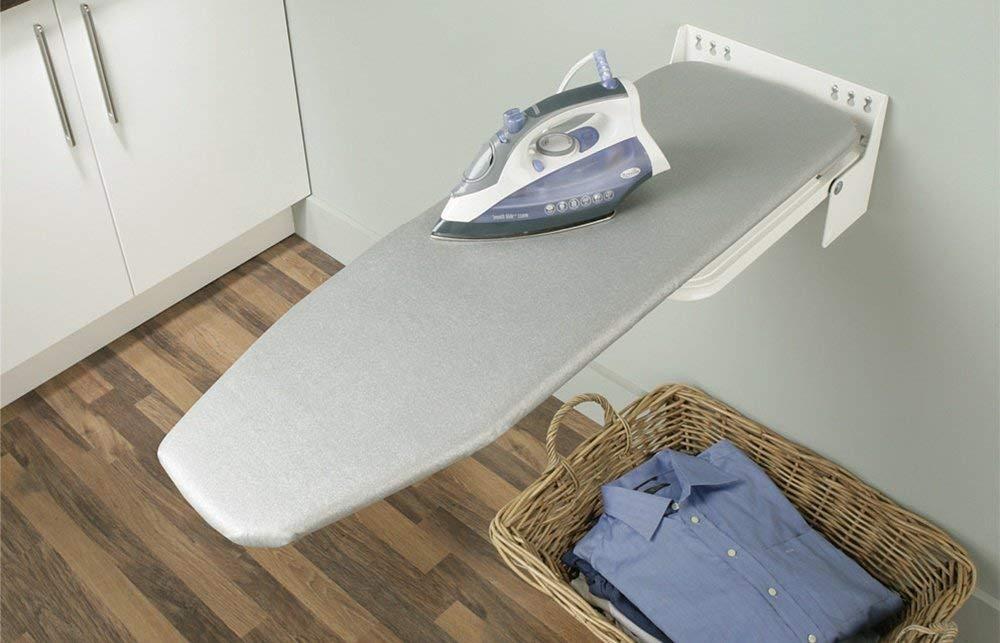 GedoTec® Asse da stiro pieghevole Ironfix Premium, girevole a 180°, montaggio a parete, acciaio RAL 9016, fantasia a strisce, marchio di qualità per la vostra casa girevole a 180°