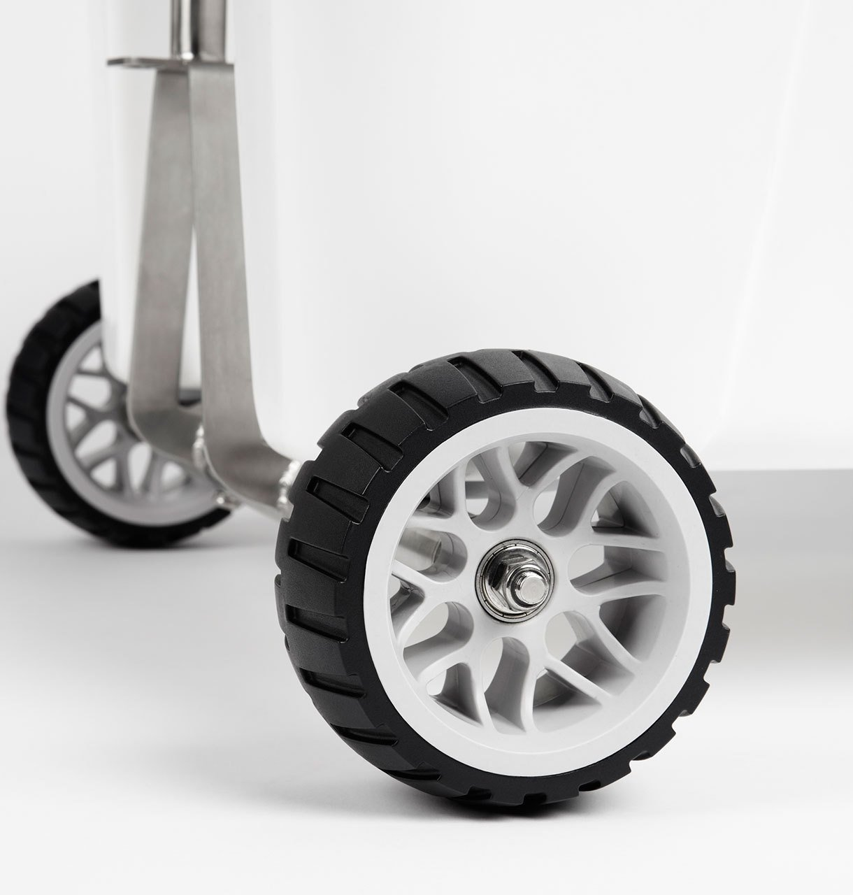 Badger Wheels - Single Axle for Yeti Tundra 35-160 by Badger Wheels (Image #6)