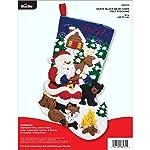 Bucilla 86931E - Kit de apliques de fieltro para calcetines, 45,7 cm, cabaña de oso de Papá Noel